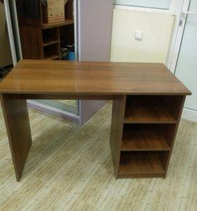 Столы офисные с полочками один или несколько