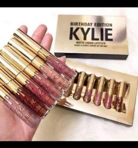 Матовая помада Kylie Birthday Edition.