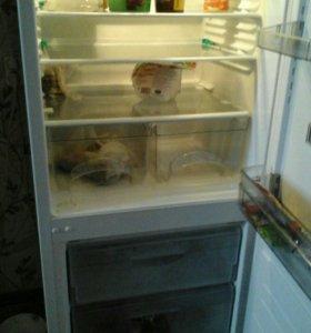 """Двухкамерный холодильник""""Атлант"""""""