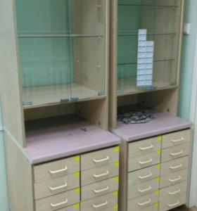 Стеллажи и шкафы для аптеки или мелких товаров.