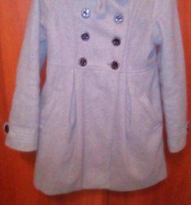 Отдам пальто (7-8 лет)