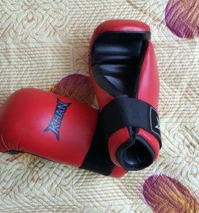 Перчатки для тхэквандо