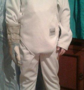 Продам костюм и электронную перчатку для фектовани