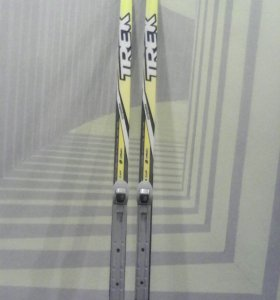 лыжи с ботнками