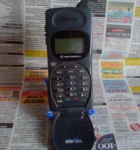 Ретро мобильный телефон Motorola #1