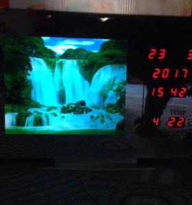 Часы с водопадом