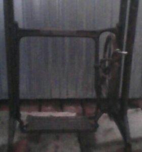 Станина швейной машинки древняя