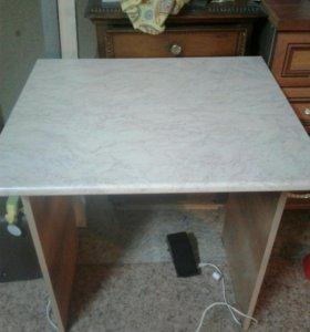Продам новый небольшой стол .