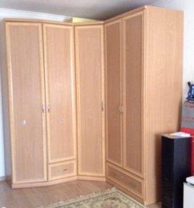 Продам вместительный шкаф
