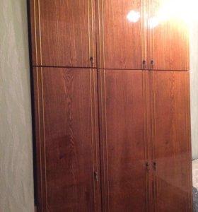 СРОЧНО ПРОДАМ Шкаф + 2 кровати