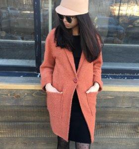 Пальто облегченное кирпичное новое