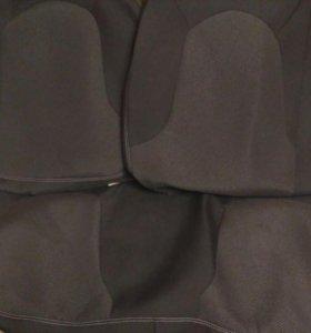 Комплект автомобильных чехлов