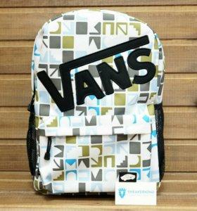 Рюкзак Vans, белый с цветными символами