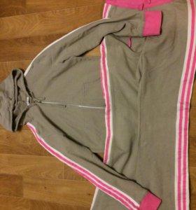Спортивный костюм на девочку рост 158-164