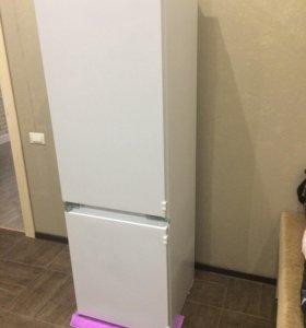 Холодильник встраиваемый Hansa (не рабочий)