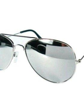 Зеркальные очки черные
