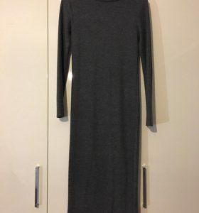 Тёплое длинное платье-водолазка Stradivarius