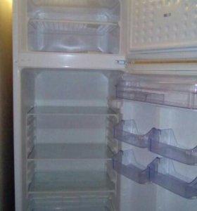Продаю холодильник Zanussi