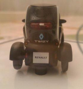 Машинка рено твизи Renault twizy