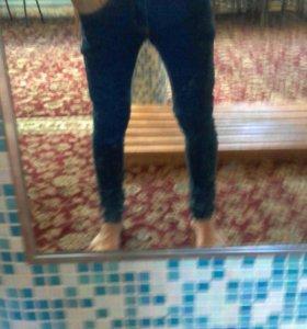джинсы новые модные