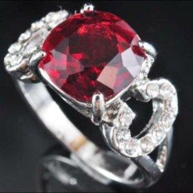 Кольцо женское серебро циркон красный