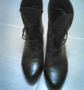 Ботинки Franchesko Donni 36р