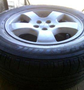 Литье с резиной R16 215/65 bridgestone 4 колеса.ле