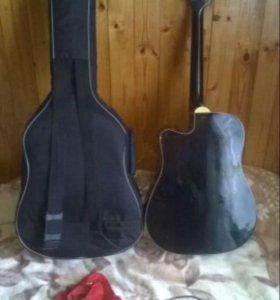 Гитара, ремень,хороший плотный чехол .