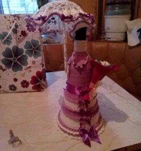 Бутылка в виде куклы ручной работы
