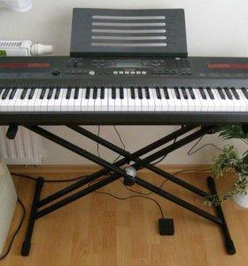 Синтезатор Casio wk-110 + подставка.