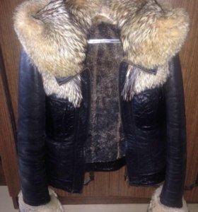 Куртка с капюшоном и мехом