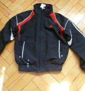 Куртка от спортивного костюма ф. adidas.