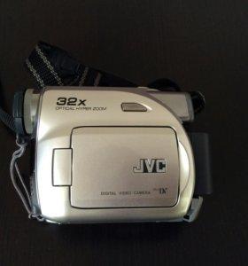 Видеокамера JVC GR-340E