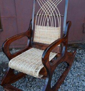 Плетеные кресла качалки