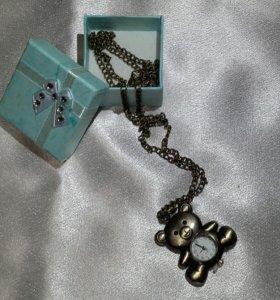 Ожерелья разные новые