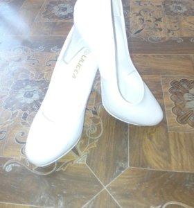 туфли белые классические