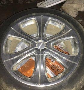 Продам комплект колёс (срочно)