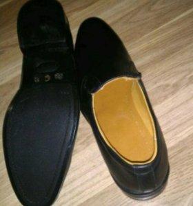 Кожанные ботинки новые