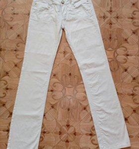 Новые джинсы на 42-44 разм