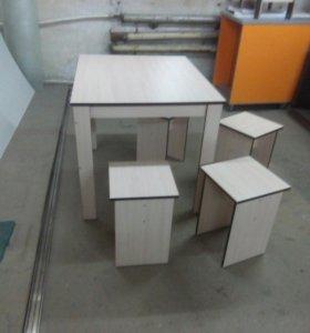 Стол обеденный размер стола 1000*800 в комплекте 4