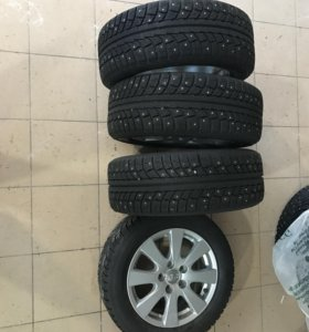 Зимние шины Gislaved в комплекте для Камри