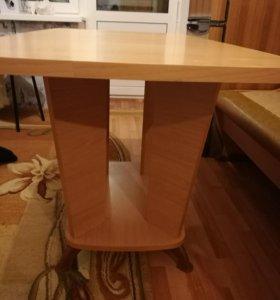 Продам обеденный стол