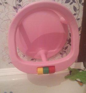 Стульчик в ванну на присосках