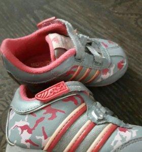 Кроссовки Adidas  р19