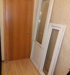 Пластиковая дверь б/у