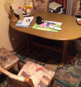 Стол кухонный и 3 стула
