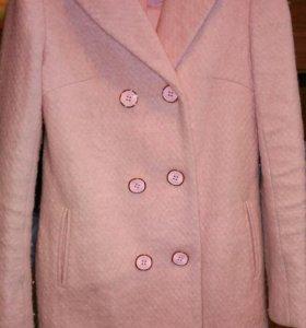 Пальто женское 42размер