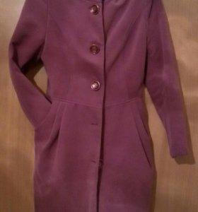 Демисезонное пальто 42 размера