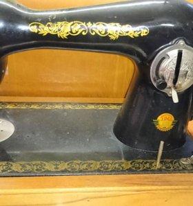 Швейная машинка Подольск 1м