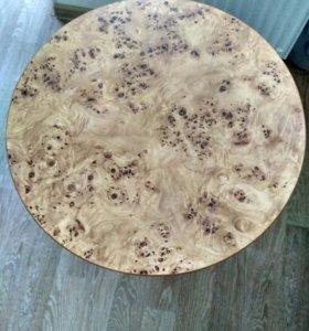 Стол, встроенная мебель-гардиробные